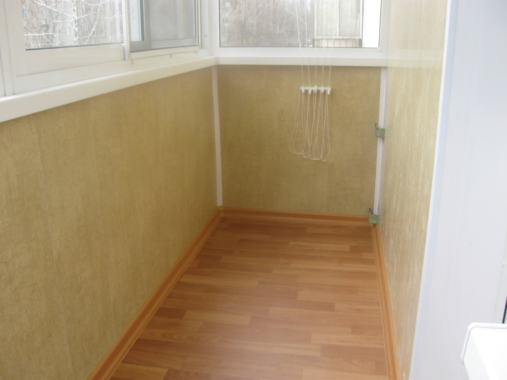 Услуги - наружнаЯ и внутреннЯЯ отделка балконов, лоджий.